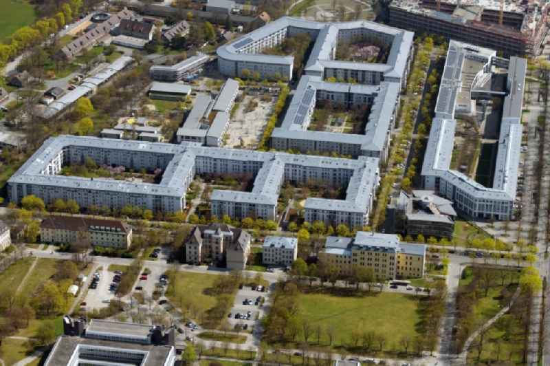 Residential area of a multi-family house settlement overlooking the Campus M21 in Muenchen between Dachauer Strasse and Hedwig-Dransfeld-Allee in the district Neuhausen-Nymphenburg in Munich in the state Bavaria, Germany