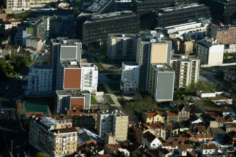 Skyscrapers in the residential area of industrially manufactured settlement on Quai du Dr Dervaux in Paris in Ile-de-France, France