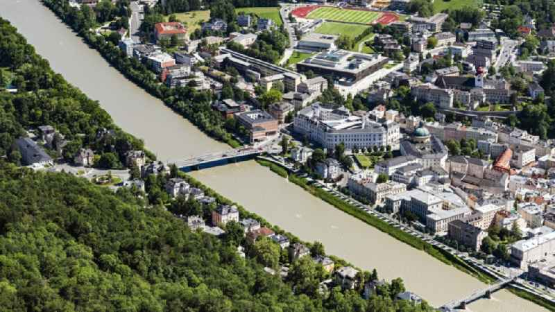 Court- Building complex of the Landgericht Salzburg on Ufer of Salzach on Karolinen Bruecke in Salzburg in Austria