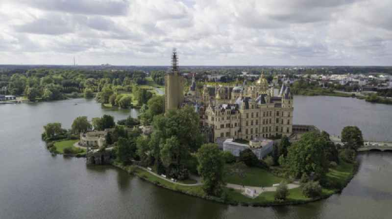 Schwerin Castle, seat of the state parliament in the state capital of Mecklenburg-Vorpommern, Germany