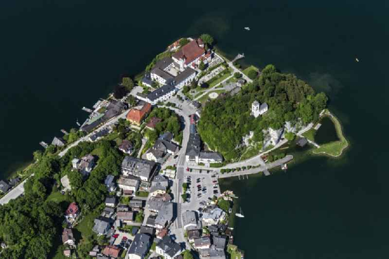 Village on the lake bank areas of Traunsee in Traunkirchen in Oberoesterreich, Austria.