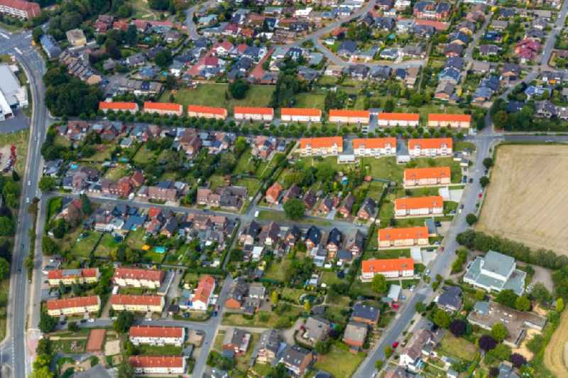 Residential area - mixed development of a multi-family housing estate and single-family housing estate along the Ostring and the Breielstrasse in Werne in the state North Rhine-Westphalia, Germany.
