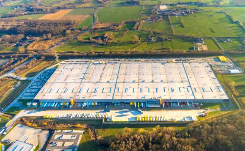 Complex on the site of the logistics center Amazon Logistik in Werne in the state North Rhine-Westphalia. Further information at: Amazon Europe Core S.a r.l.,  BREMER AG.
