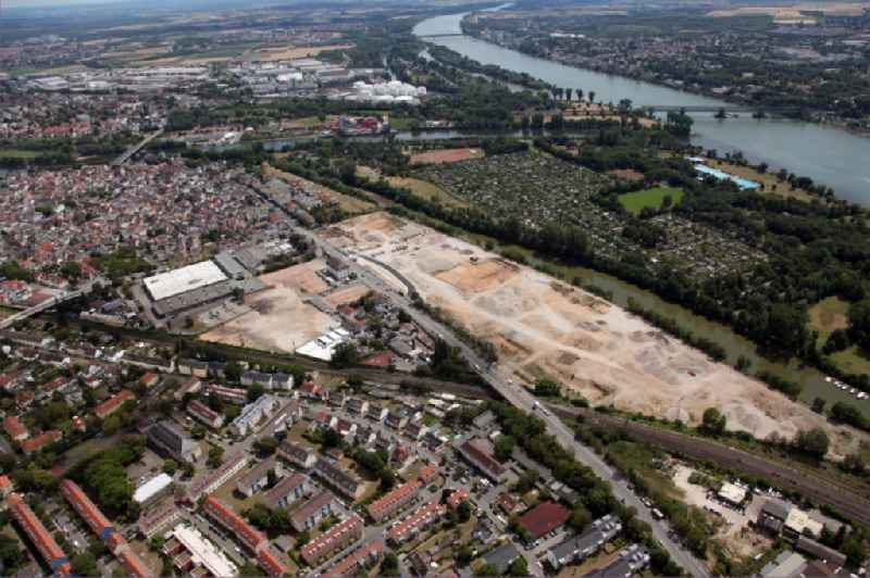 Construction site to build a new multi-family residential complex ' Linde-Quartier ' in the district Mainz-Kostheim in Wiesbaden in the state Hesse, Germany