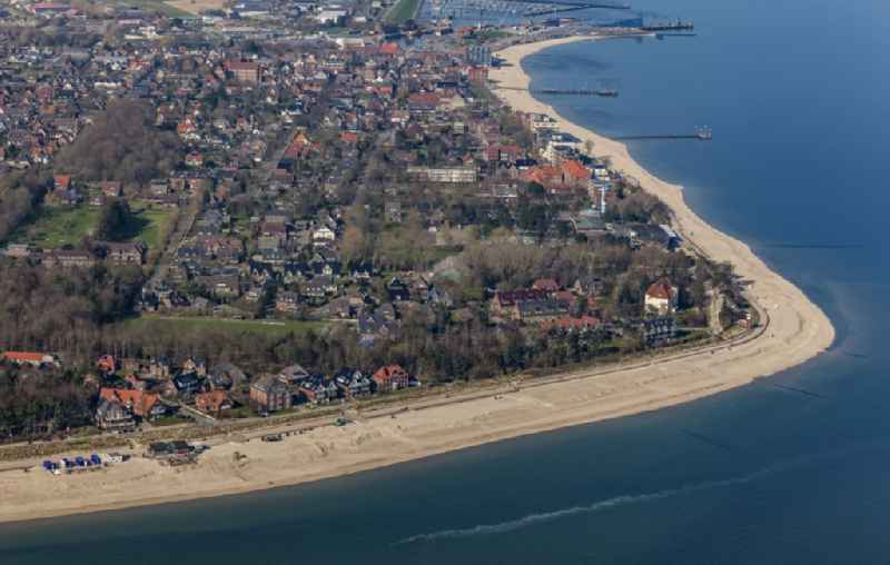 Townscape on the seacoast of with Sandstrand and Promenade in Wyk auf Foehr in the state Schleswig-Holstein, Germany