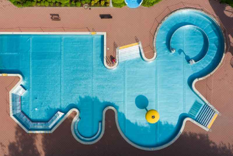 Vertical aerial view from the satellite perspective of the swimming pool of the in the district Gablenz in Chemnitz in the state Saxony, Germany